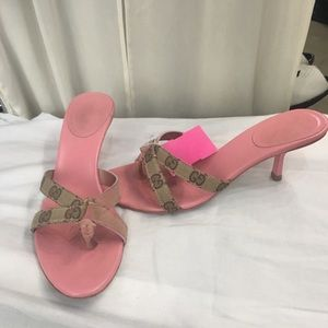 Gucci Shoes - Adorable Gucci sandals